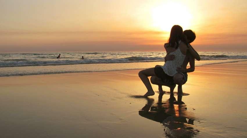 Las mujeres valoran más los besos que los hombres / Eleazar