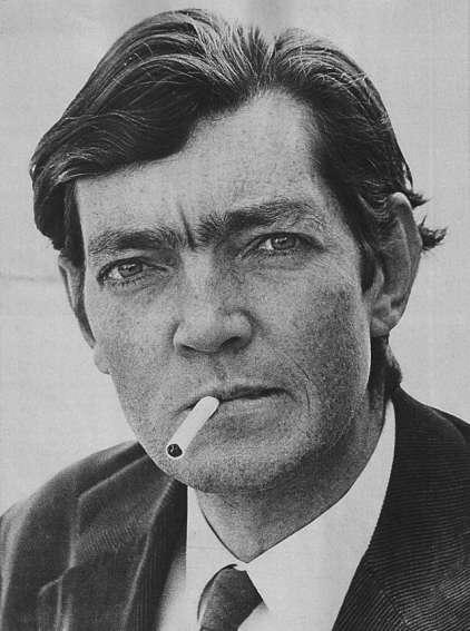 Julio Cortázar por Sara Facio en 1967 | Fuente: Wikipedia