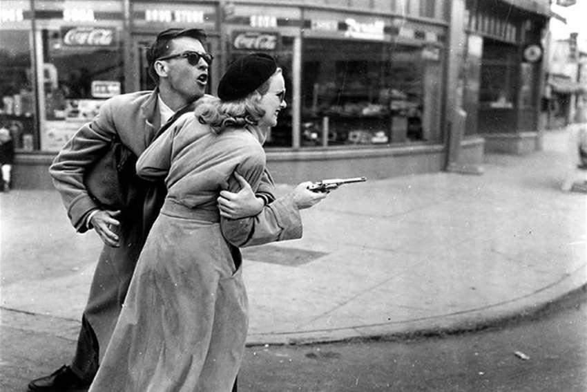 En el film noir suele haber espléndidas partituras correspondientes con su inquietante universo. La de 'Gun crazy' de Joseph H. Lewis es de Victor Young