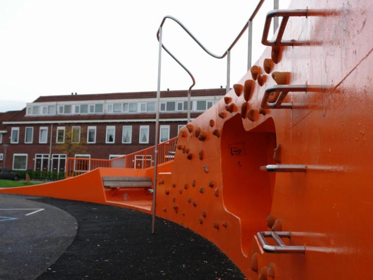 NLarchitects_Nicolaas-Beetsplein_community-square-playground-playscape10-1024x768