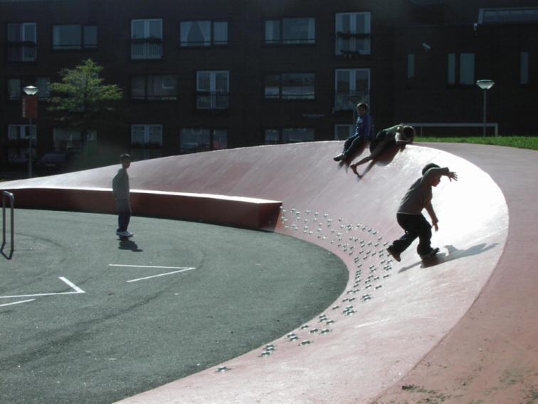 NLarchitects_Nicolaas-Beetsplein_community-square-playground-playscape14-1024x768