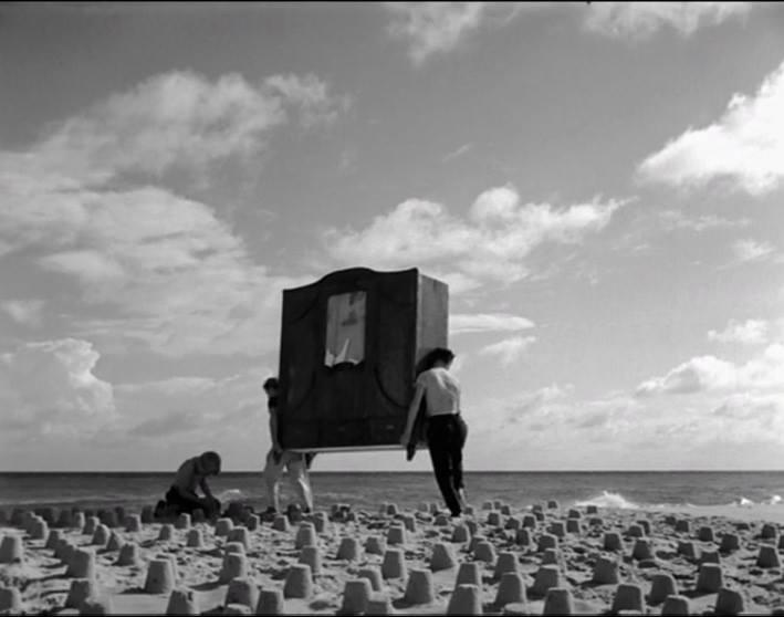 'Dos hombres y un armario', de Roman Polanski