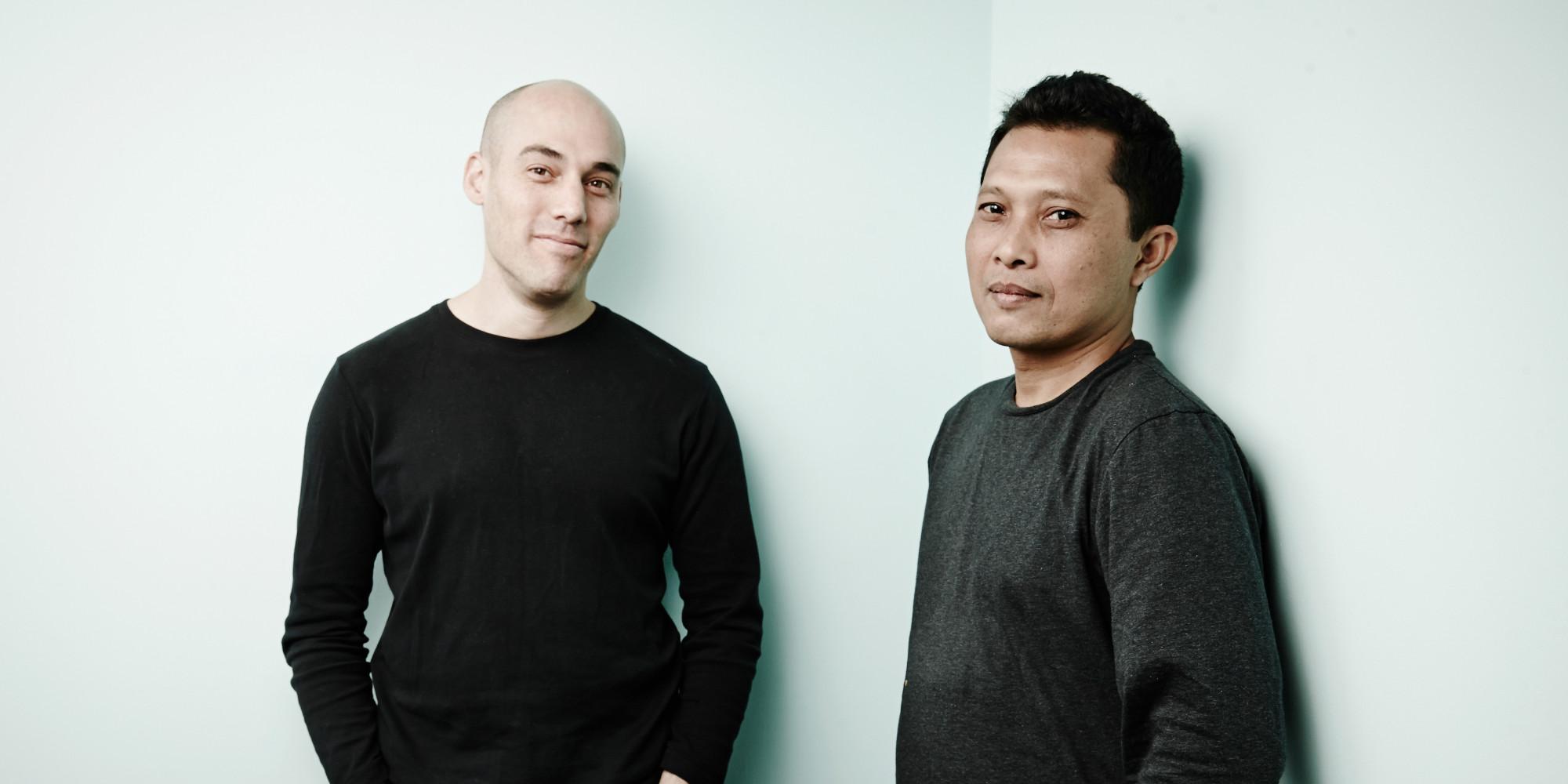 "Joshua Oppenheimer y Adi Rukun de ""The Look of Silence"" | Vía: huffingtonpost.com"
