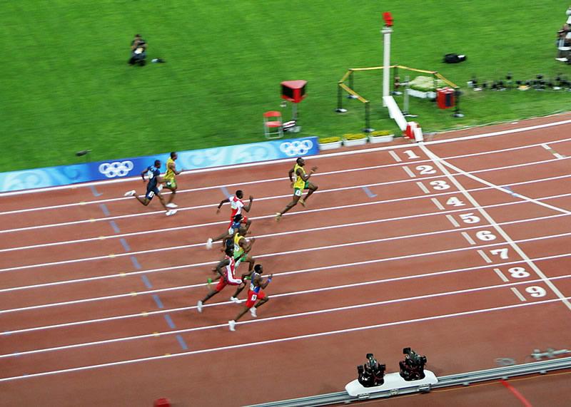 Usain Bolt camino de la victoria en la final de los 100 m. de los Juegos Olímpicos de Pekín 2008. © PhotoBobil