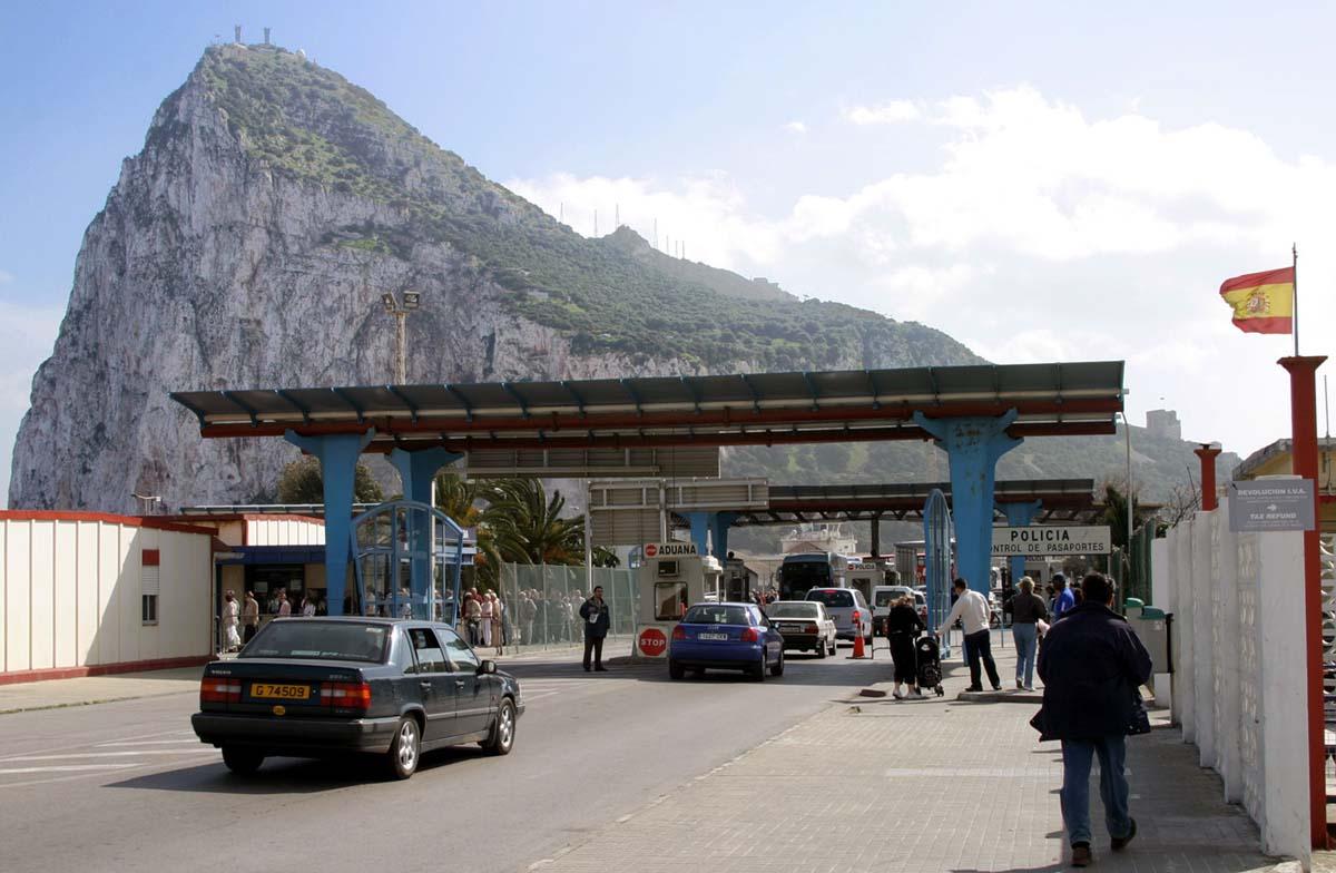 Acceso a Gibraltar. Un paraíso fiscal dentro de la U.E. Wikimedia Commons.
