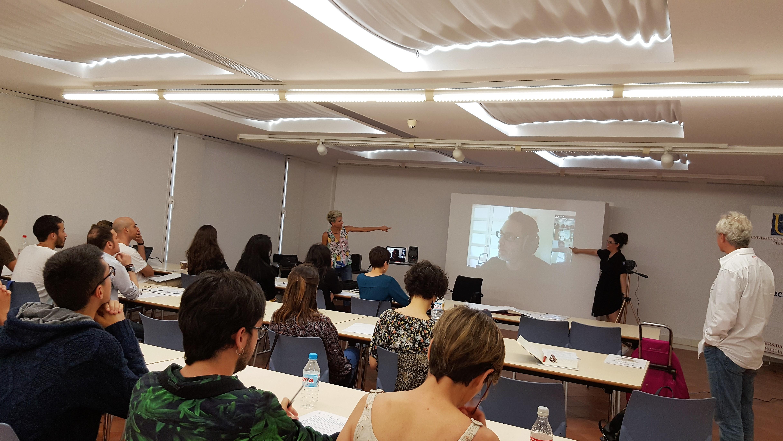 Conferencia virtual donde se puede ver a Verónica Perales (izq.), a María Abellan (centro) y Ramón Alcalá (der.). Vía Laura Montsee
