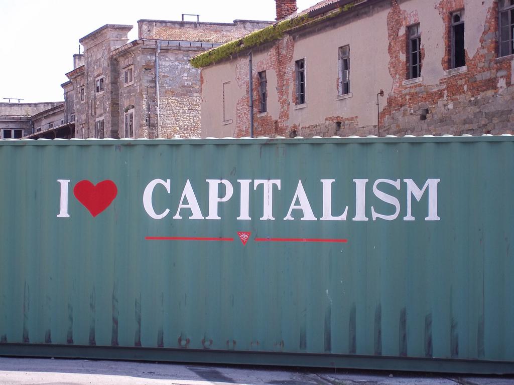 I ♥ capitalism | Alessio (Flickr)