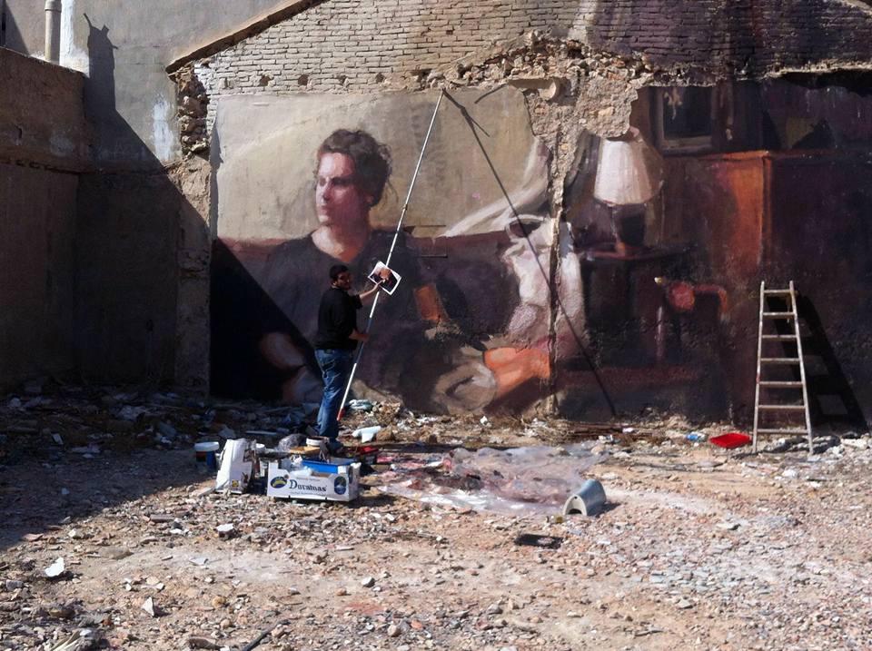 MOHAMED L'GHACHAM, trabajando en un solar. Vía: LACDM