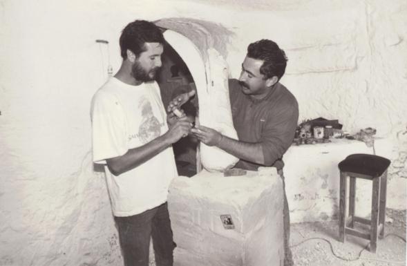 Carlos y Emilio (Director de la Escuela de Artes y Oficios de Orihuela). Foto: Eduardo De Gea