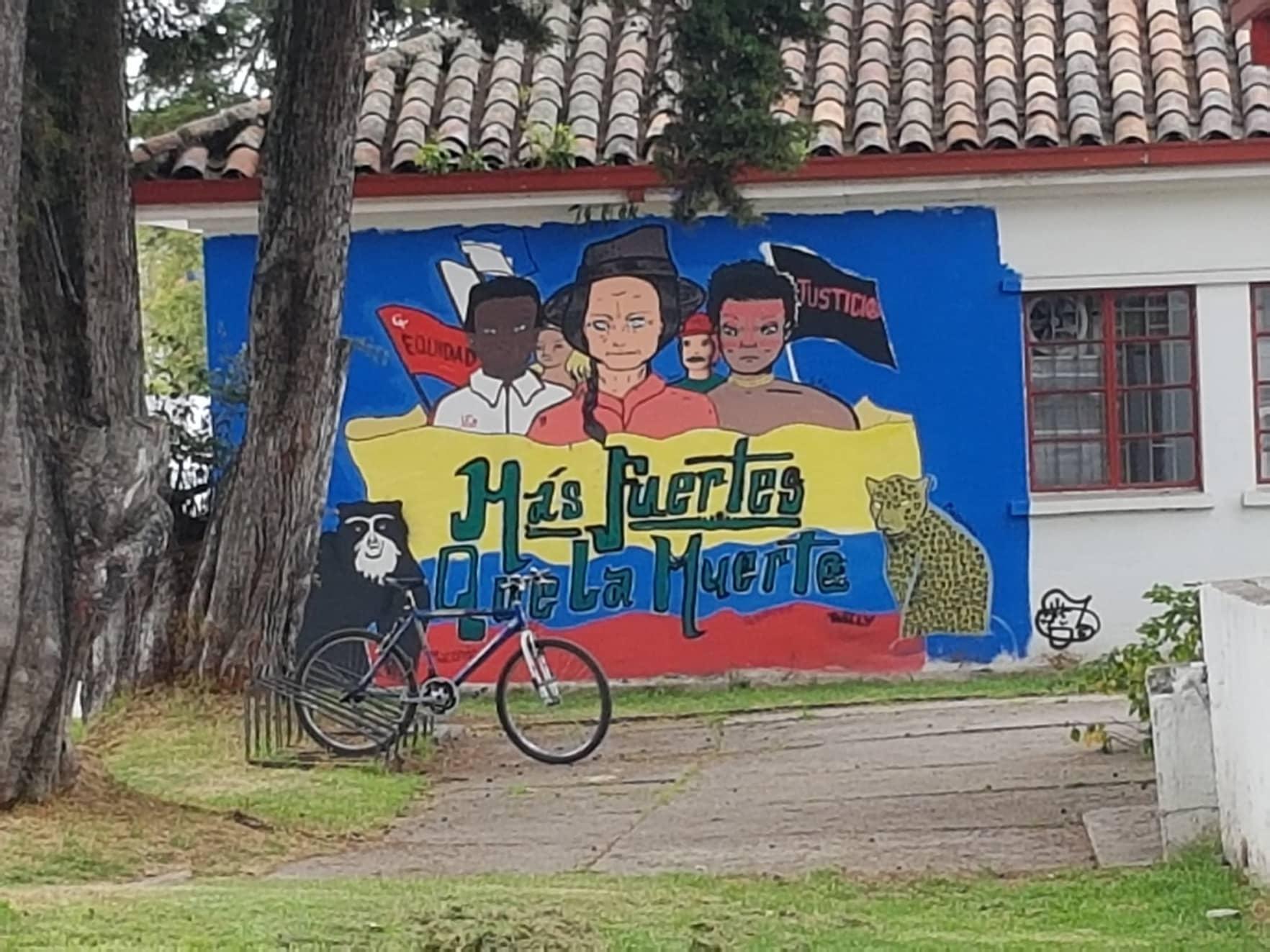 Universidad Nacional de Colombia. Vía Joan Pedro