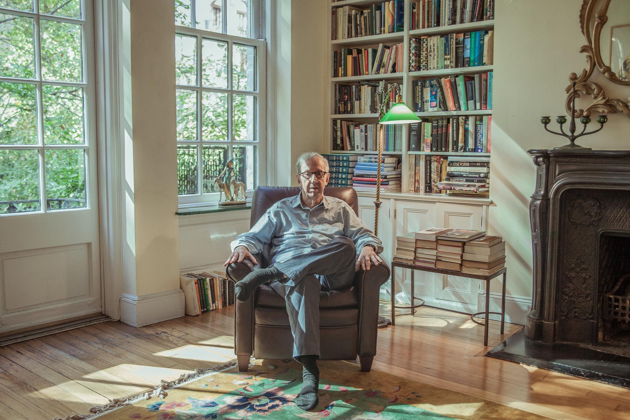 El editor de libros Robert Gottlieb en su casa de Nueva York.